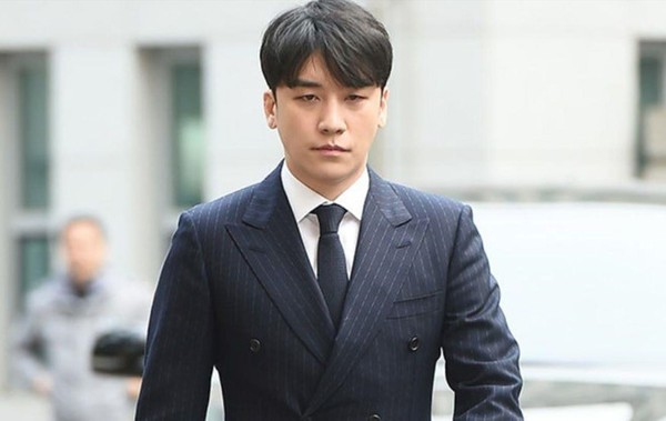 Mặc cho Seungri khốn khổ, TaeyangvàDaesung vẫn bận rộn với lịch trình ca hát trong quân đội: VIP phải làm sao? - Ảnh 1.