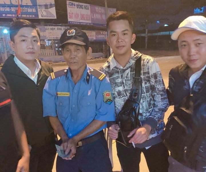 Chuyện tình đẹp như phim của bác bảo vệ già bị dàn cảnh trộm xe SH, bật khóc nức nở giữa Sài Gòn - Ảnh 7.