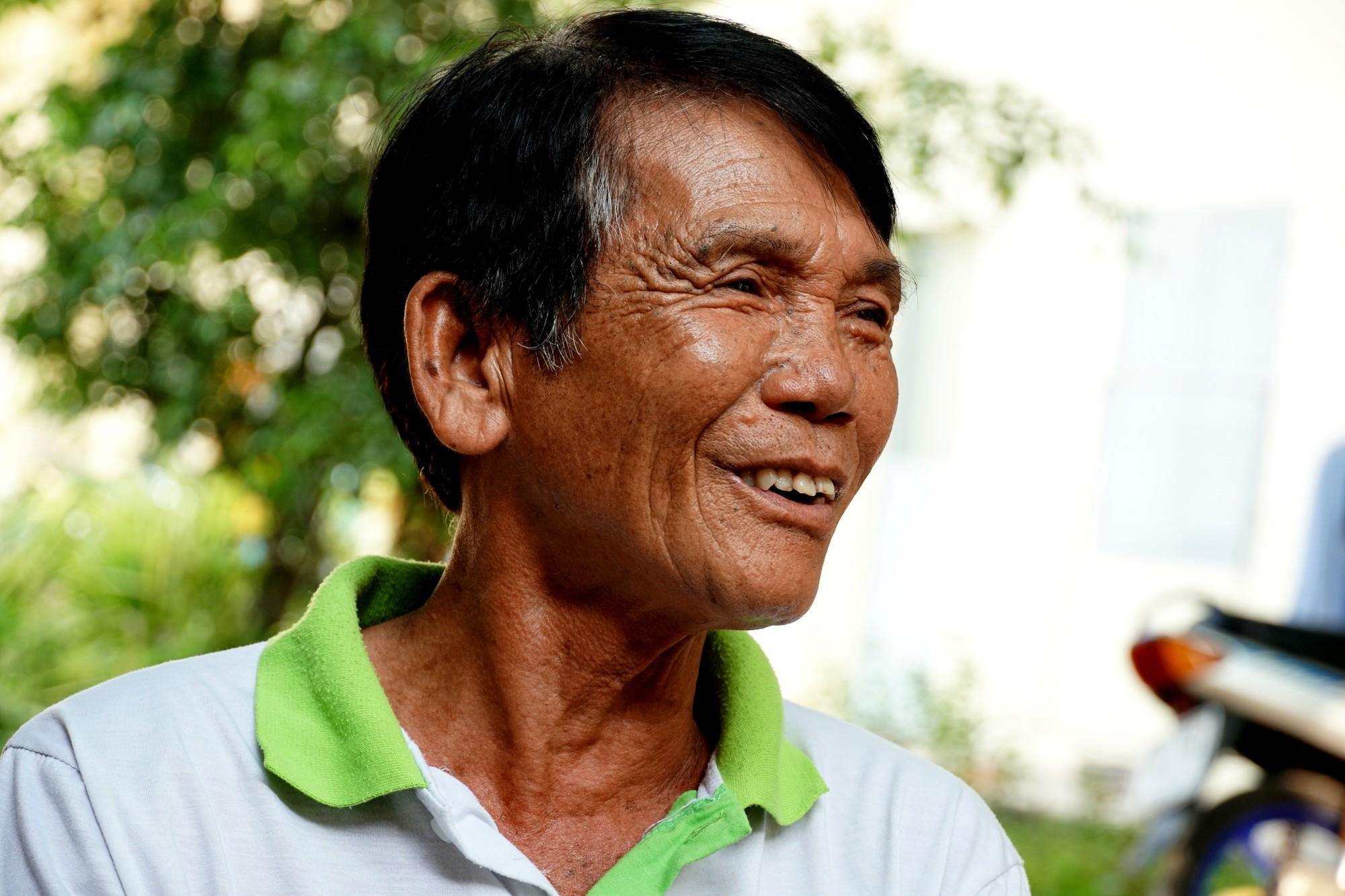 Chuyện tình đẹp như phim của bác bảo vệ già bị dàn cảnh trộm xe SH, bật khóc nức nở giữa Sài Gòn - Ảnh 10.