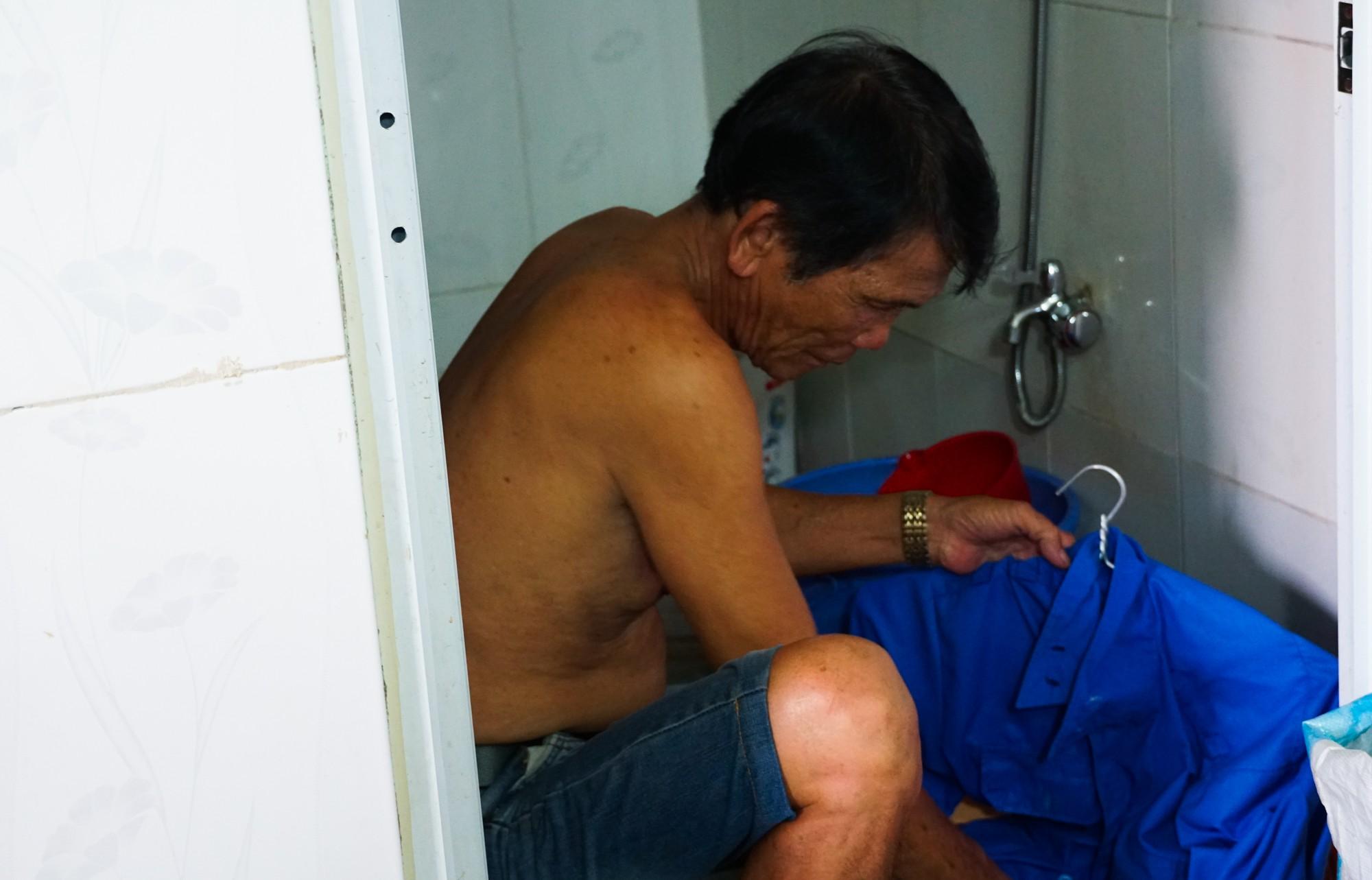 Chuyện tình đẹp như phim của bác bảo vệ già bị dàn cảnh trộm xe SH, bật khóc nức nở giữa Sài Gòn - Ảnh 8.