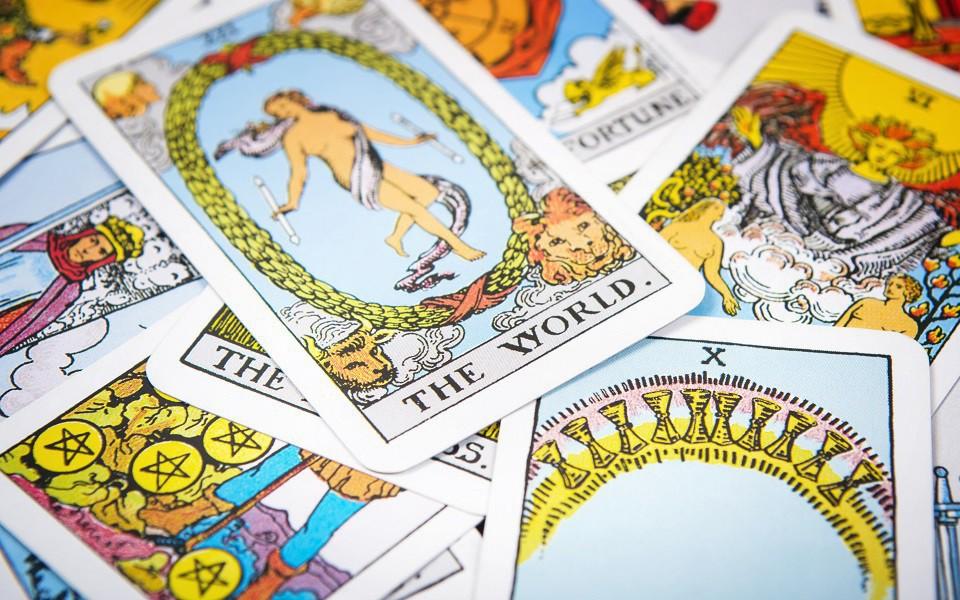 Tử vi tuần mới (01/4 – 07/4) qua lá bài Tarot: Một tuần đầy kịch tính