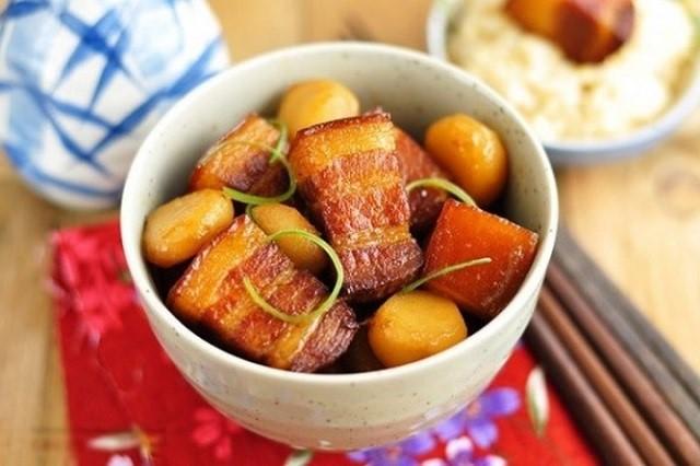 Tối nay ăn gì: Chào hè với thực đơn chỉ 130.000 đồng có canh cua rau đay, thịt kho trứng cút - Ảnh 4.