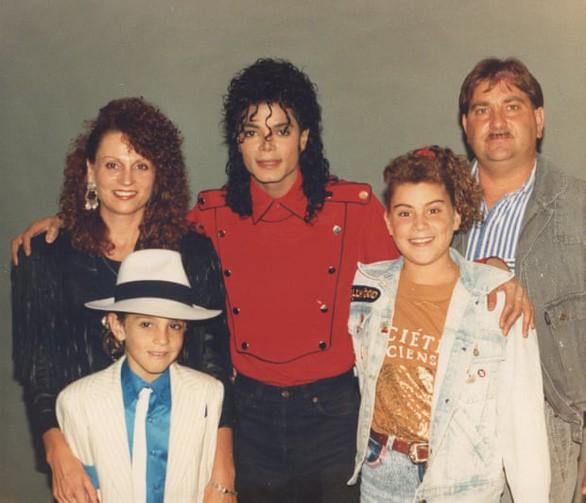 Từ bộ phim gây sốc, thực hư chuyện Michael Jackson ấu dâm - Ảnh 1.
