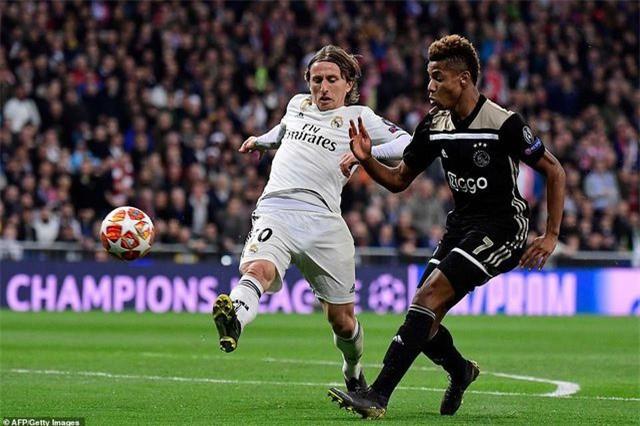 Những khoảnh khắc Real Madrid sụp đổ ở Bernabeu, trở thành cựu vương Champions League - Ảnh 14.