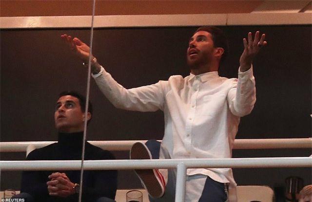 Những khoảnh khắc Real Madrid sụp đổ ở Bernabeu, trở thành cựu vương Champions League - Ảnh 15.