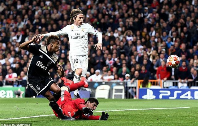 Những khoảnh khắc Real Madrid sụp đổ ở Bernabeu, trở thành cựu vương Champions League - Ảnh 2.
