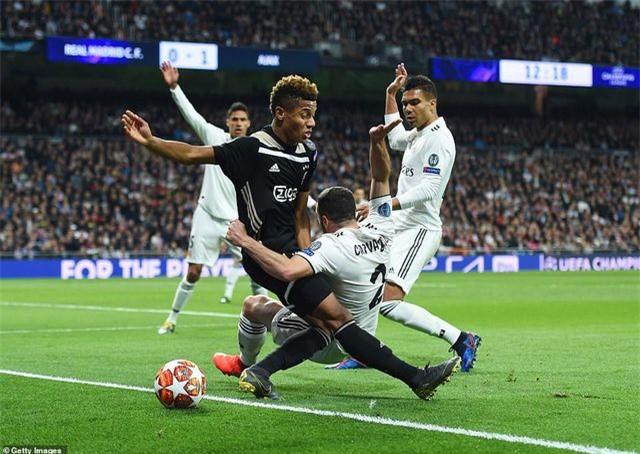 Những khoảnh khắc Real Madrid sụp đổ ở Bernabeu, trở thành cựu vương Champions League - Ảnh 24.