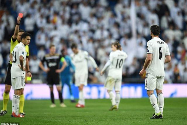 Những khoảnh khắc Real Madrid sụp đổ ở Bernabeu, trở thành cựu vương Champions League - Ảnh 8.