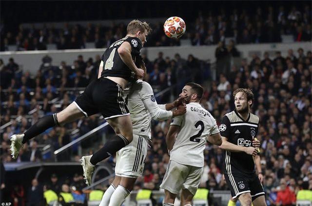 Những khoảnh khắc Real Madrid sụp đổ ở Bernabeu, trở thành cựu vương Champions League - Ảnh 9.