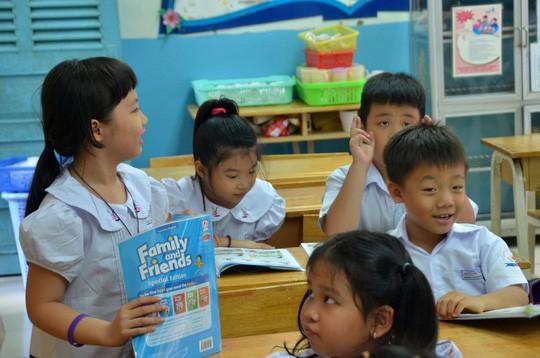 NXB Giáo dục tính tăng sốc giá SGK, Bộ GD-ĐT gửi công văn khẩn - Ảnh 1.