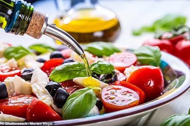 Ăn dầu ô liu giúp giảm nguy cơ đột quỵ  - Ảnh 1.