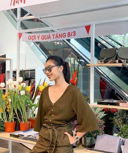 Sao Việt hôm nay (8/3): Tuấn Hưng gửi lời chúc Quốc tế Phụ nữ, Ngọc Trinh quyến rũ với đầm lấp lánh - Ảnh 5.