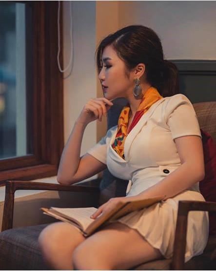 Sao Việt hôm nay (8/3): Tuấn Hưng gửi lời chúc Quốc tế Phụ nữ, Ngọc Trinh quyến rũ với đầm lấp lánh - Ảnh 8.