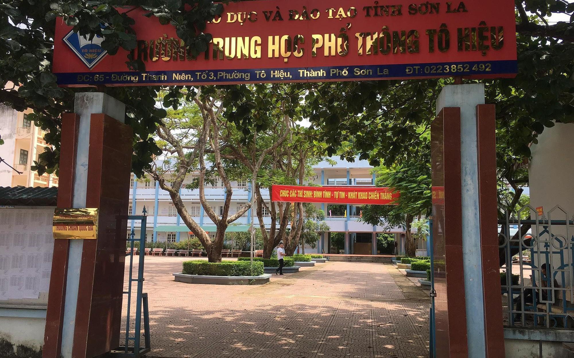 Top 3 điểm cao trúng tuyển Đại học Y Hà Nội được nâng 15,3 điểm