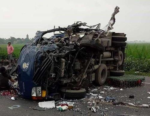 32 người thương vong vì tai nạn giao thông trong ngày đầu nghỉ lễ Giỗ Tổ - Ảnh 1.