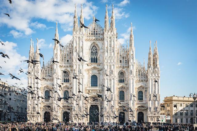 Ngoài Nhà thờ Đức Bà Paris, trên thế giới còn những công trình kiến trúc Gothic nào nổi tiếng? - Ảnh 2.