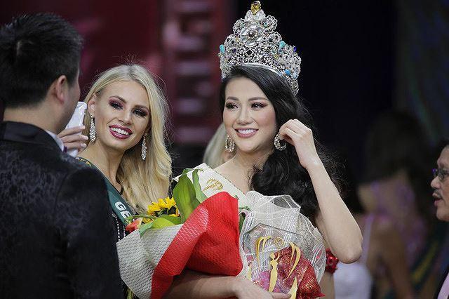 Áp lực của người đẹp Việt trên đấu trường nhan sắc quốc tế năm 2019  - Ảnh 2.
