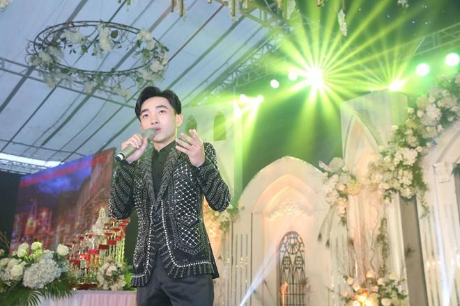 Đám cưới tiền tỉ, mời anh Bo Đan Trường về biểu diễn ở Hưng Yên - Ảnh 3.