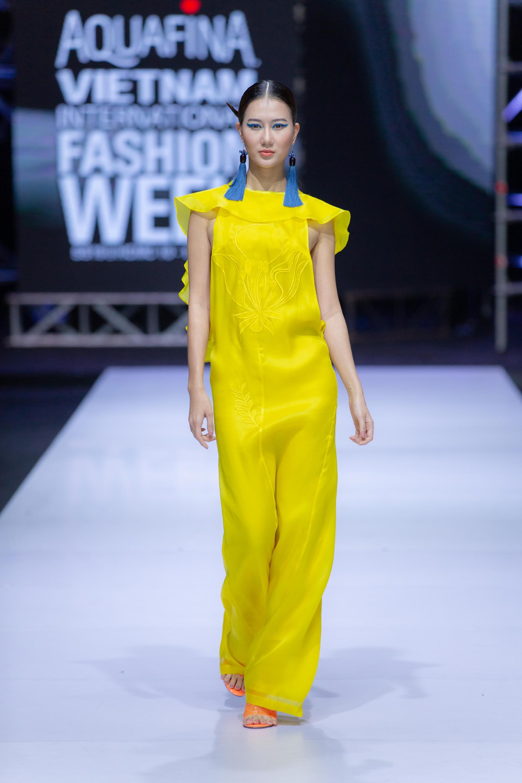 Những xu hướng thời trang nữ giới thống trị sàn diễn Tuần lễ thời trang Việt Nam 2019  - Ảnh 3.