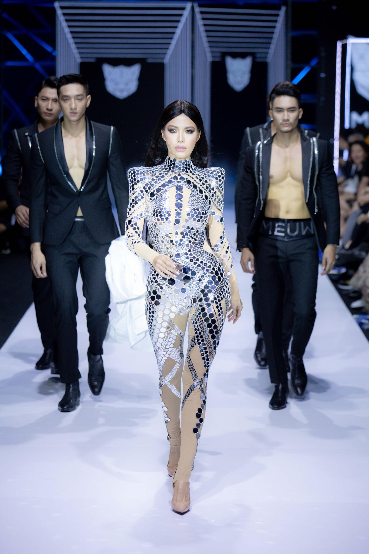 Những xu hướng thời trang nữ giới thống trị sàn diễn Tuần lễ thời trang Việt Nam 2019  - Ảnh 5.