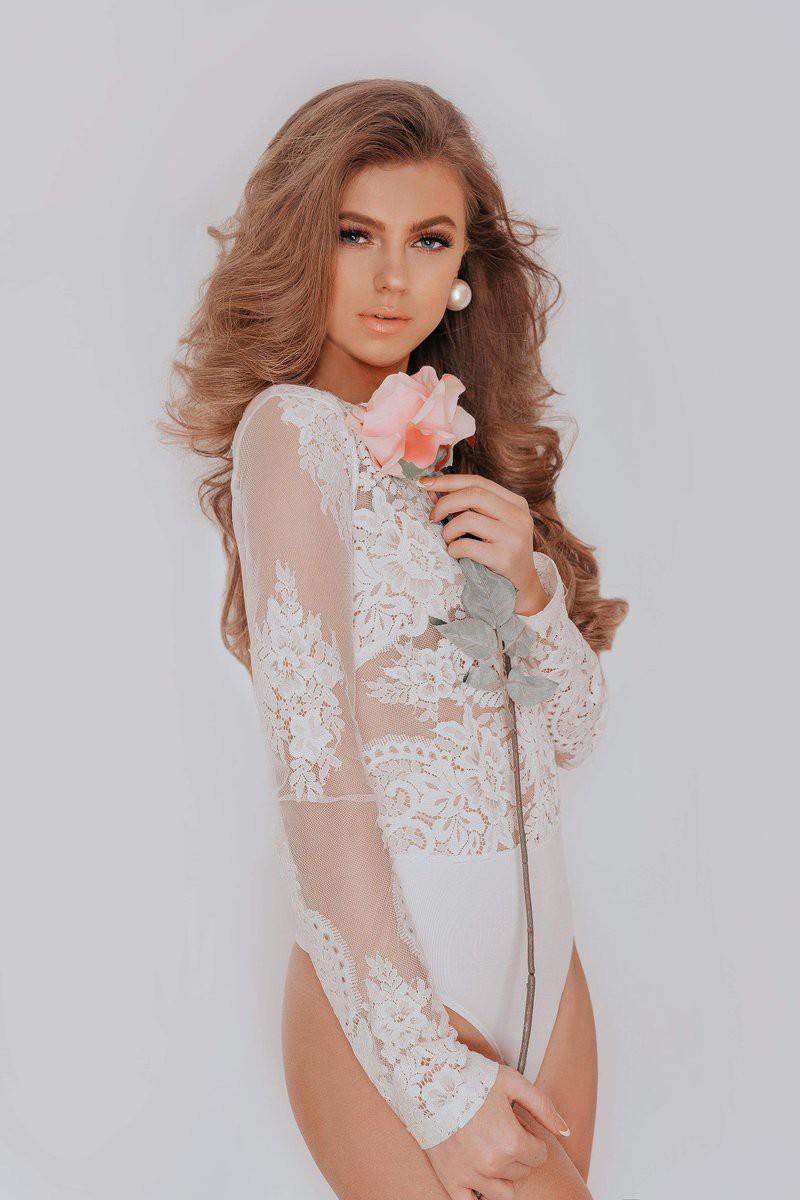 Nhan sắc như công chúa cổ tích của Hoa hậu xứ Wales 2019  - Ảnh 6.