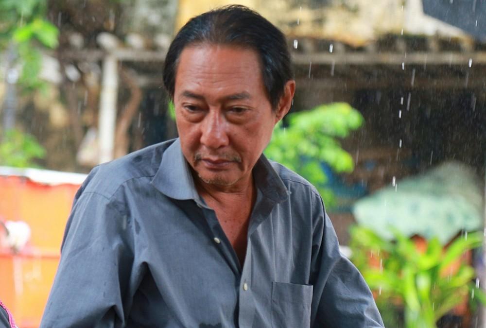 Rơi nước mắt tâm sự của nghệ sĩ Lê Bình: Nằm viện, tiền tỉ cũng thành mớ giấy lộn - Ảnh 4.