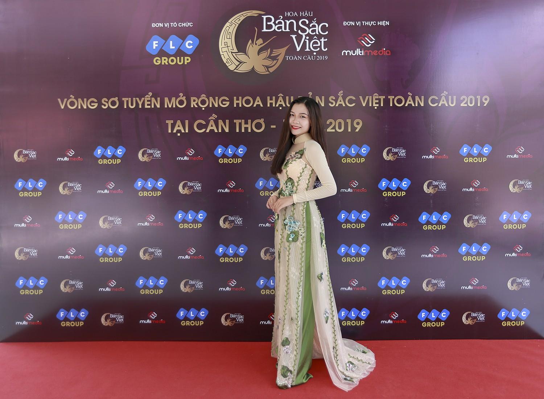 Mâu Thủy catwalk thị phạm cho thí sinh Hoa hậu bản sắc Việt toàn cầu 2019  - Ảnh 4.