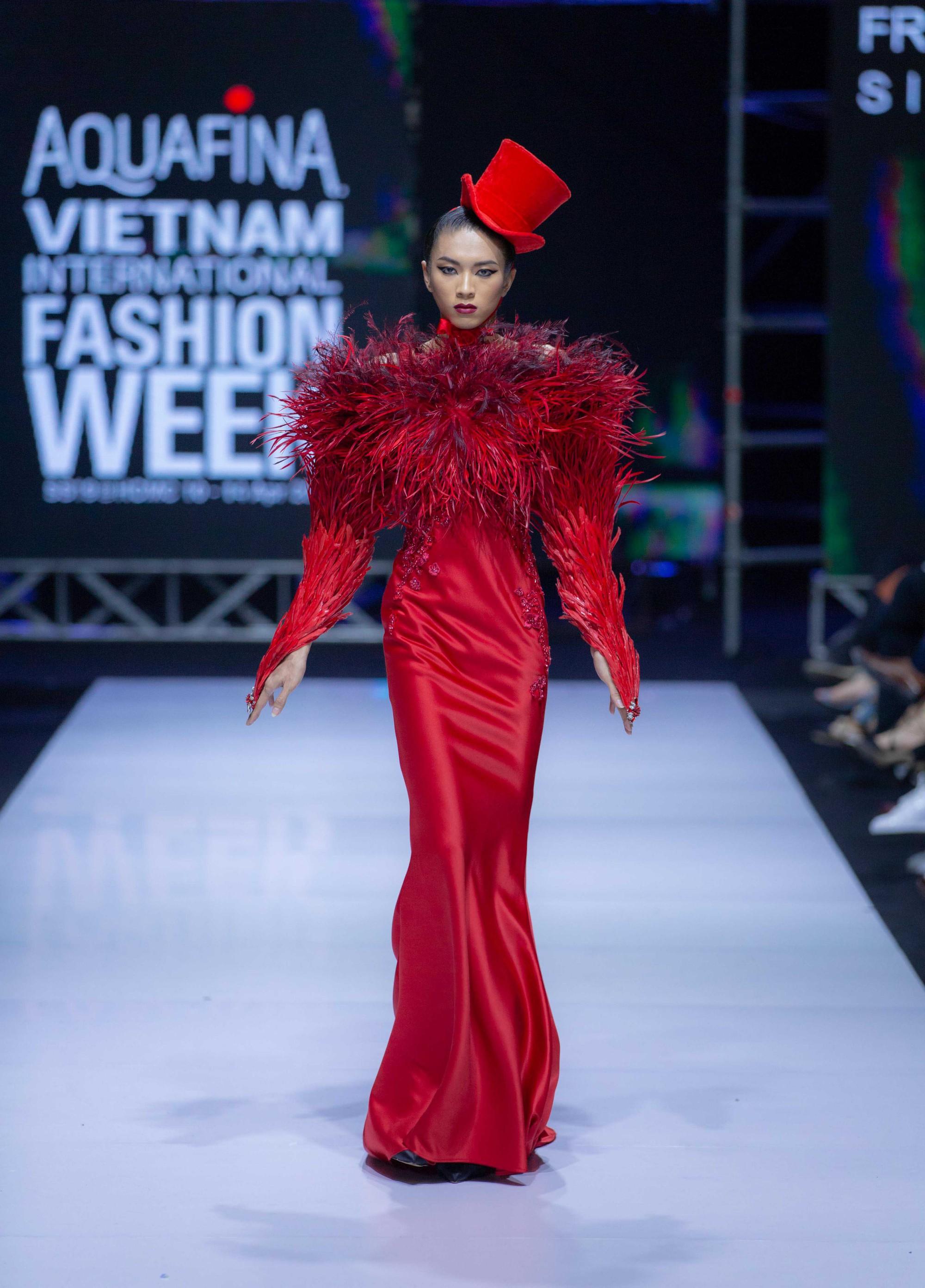 Những xu hướng thời trang nữ giới thống trị sàn diễn Tuần lễ thời trang Việt Nam 2019  - Ảnh 9.