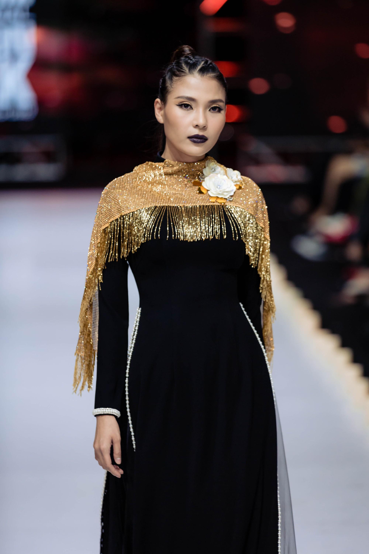 Những xu hướng thời trang nữ giới thống trị sàn diễn Tuần lễ thời trang Việt Nam 2019  - Ảnh 10.