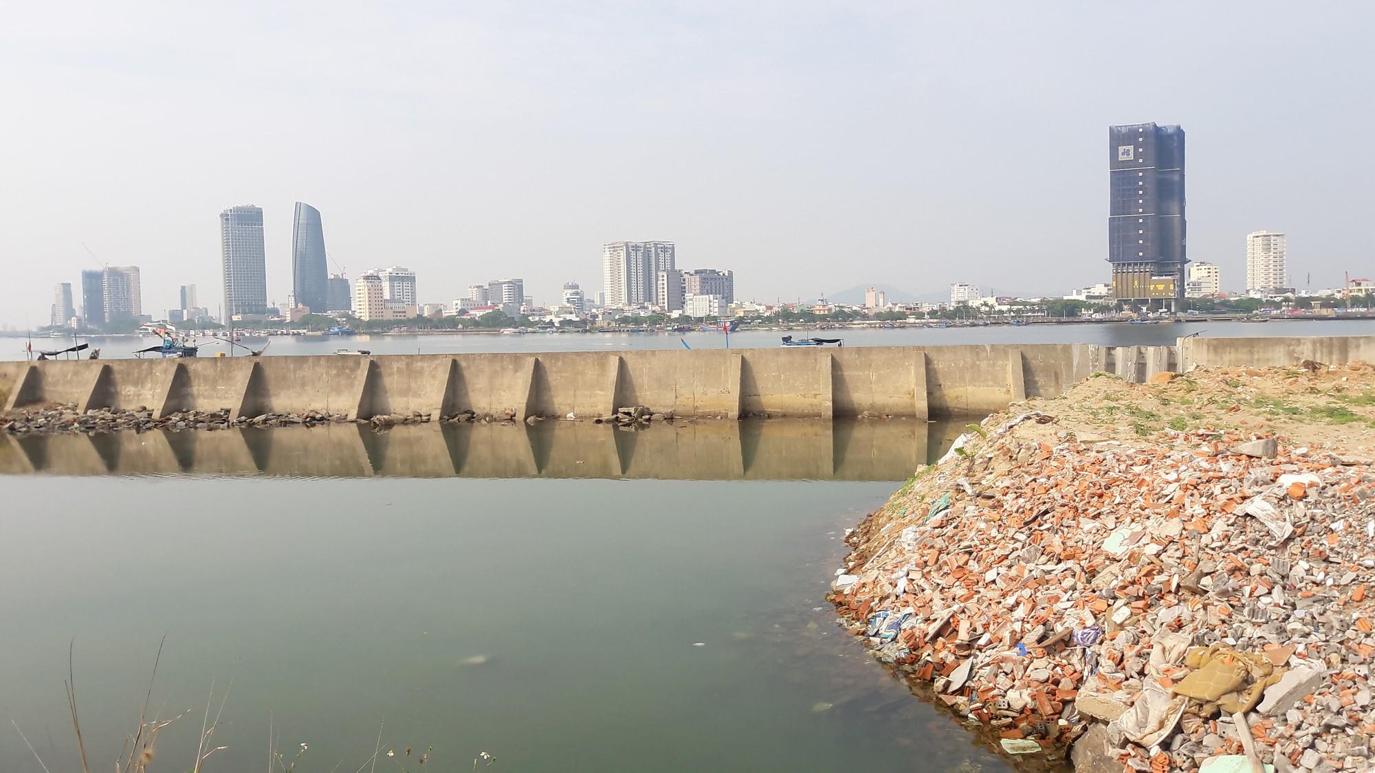 Vụ tạm dừng dự án Marina Complex ở Đà Nẵng: Cận cảnh những công trình, dự án dọc hai bờ sông Hàn hiện nay - Ảnh 6.