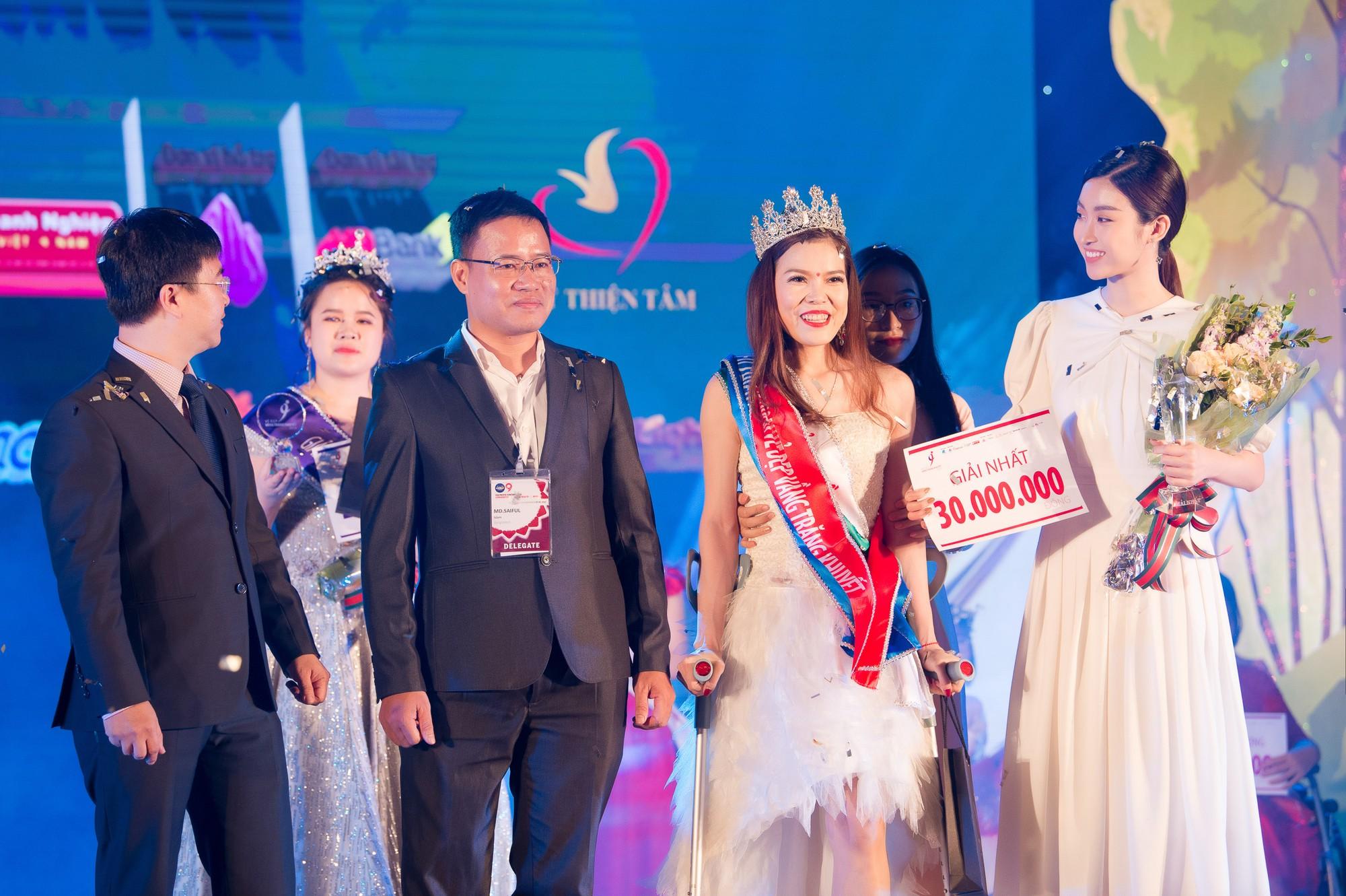 Đỗ Mỹ Linh làm giám khảo cuộc thi sắc đẹp dành cho người khuyết tật - Ảnh 3.