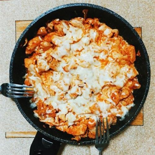 Tối nay ăn gì: Thực đơn 3 món giản dị, đưa cơm cho buổi tối thứ Tư sum vầy - Ảnh 3.
