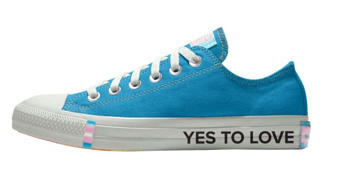 Cộng đồng LGBT thế giới hôm nay (20/04): Ariana Grande nhắc lại trấn thương cảm xúc sau vụ đánh bom 2 năm trước, Converse ra mắt bộ sưu tập giày cho người LGBT - Ảnh 4.