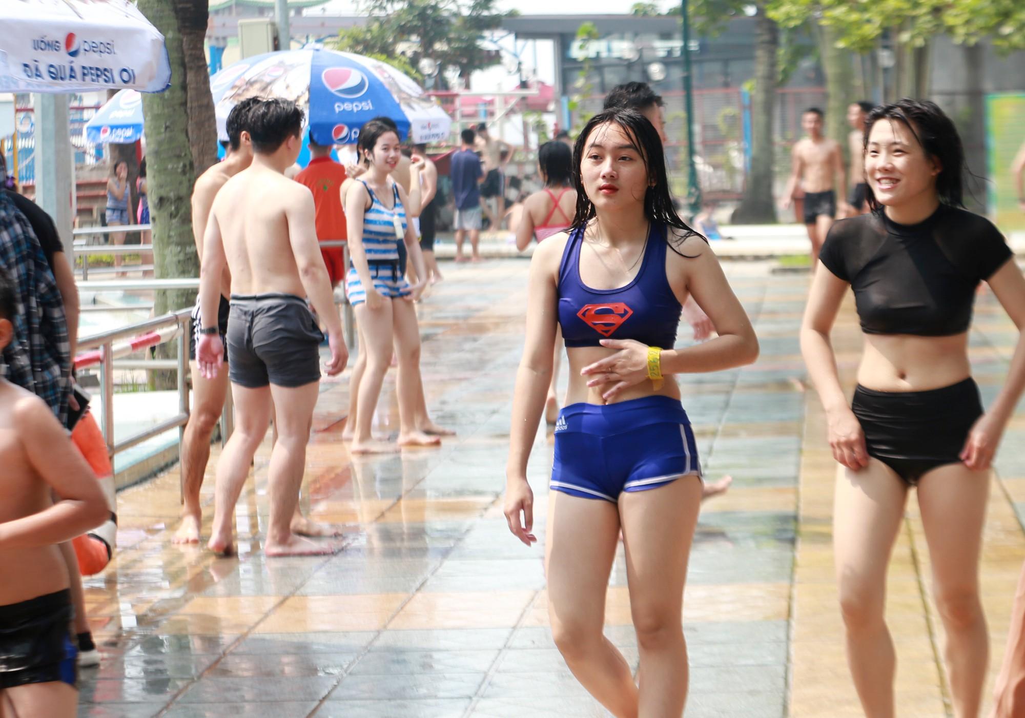 Hà Nội: Gần 1 vạn người đổ về công viên Hồ Tây ngày cuối tuần - Ảnh 11.