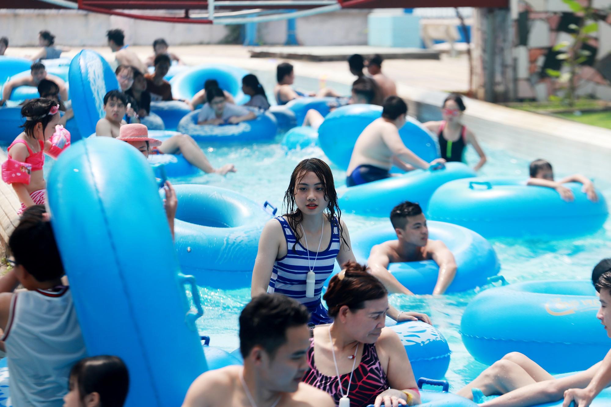 Hà Nội: Gần 1 vạn người đổ về công viên Hồ Tây ngày cuối tuần - Ảnh 12.