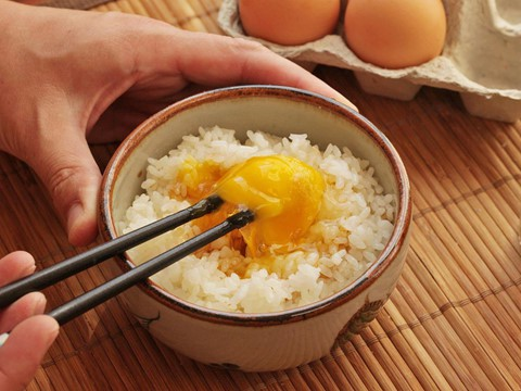 Loạt món ăn chứng tỏ độ cuồng trứng sống của người Nhật Bản - Ảnh 2.