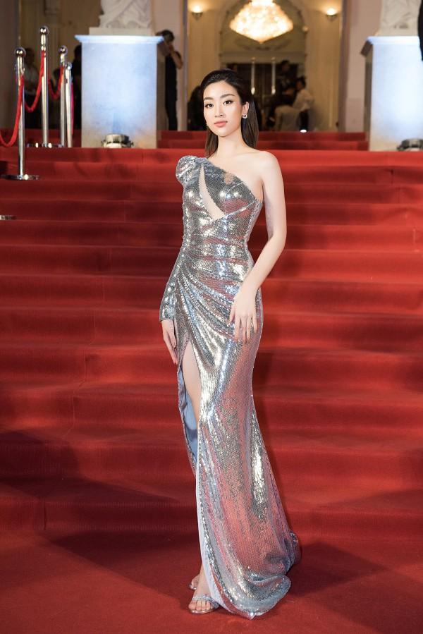 Mĩ nhân Việt nào là Nữ hoàng thảm đỏ tuần qua? (kì 47) - Ảnh 1.