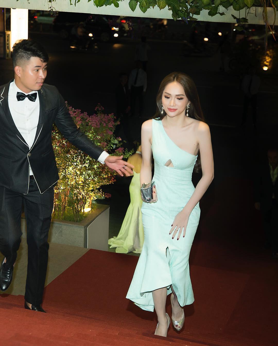 Cộng đồng LGBT thế giới hôm nay (22/04): Hương Giang diện đầm khoét ngực siêu quyến rũ tại sự kiện, fan tích cực chèo thuyền đam mỹ Harry Lu và B Trần - Ảnh 4.