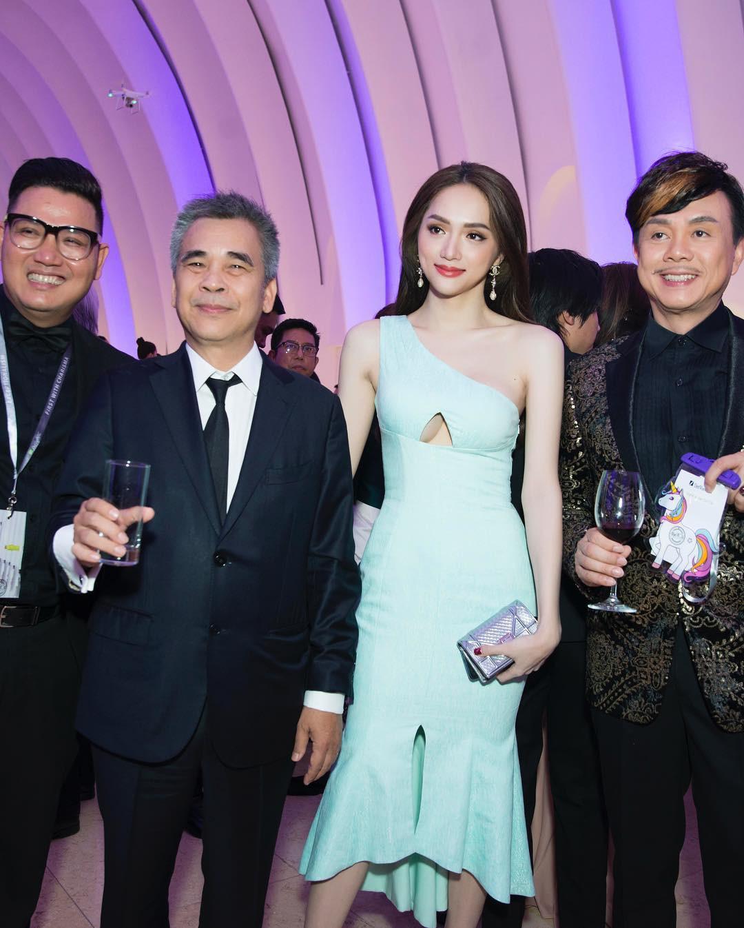 Cộng đồng LGBT thế giới hôm nay (22/04): Hương Giang diện đầm khoét ngực siêu quyến rũ tại sự kiện, fan tích cực chèo thuyền đam mỹ Harry Lu và B Trần - Ảnh 5.