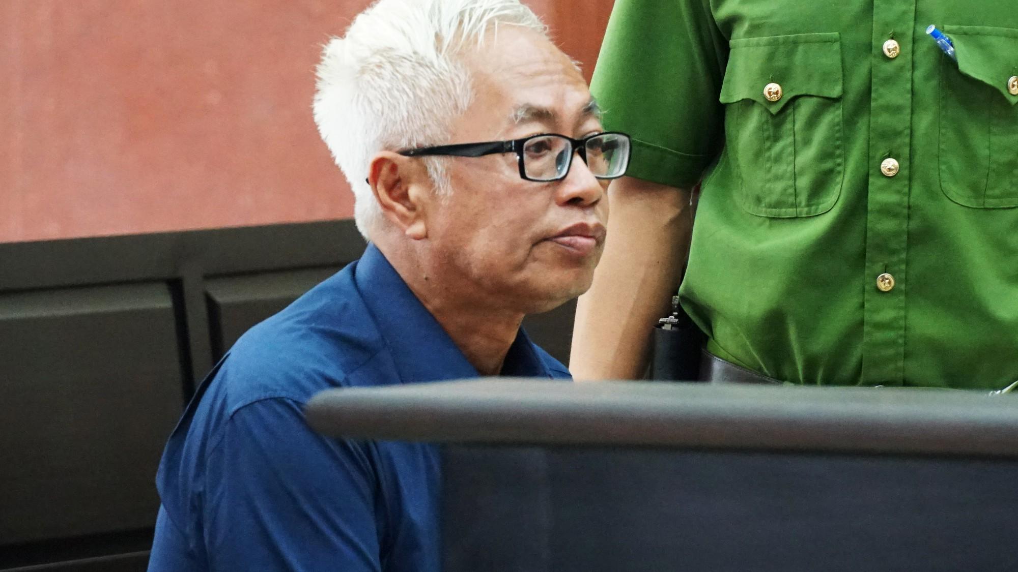 Hàng loạt luật sư vắng mặt, tòa hoãn xử phúc thẩm Vũ nhôm trong đại án ngân hàng Đông Á - Ảnh 2.