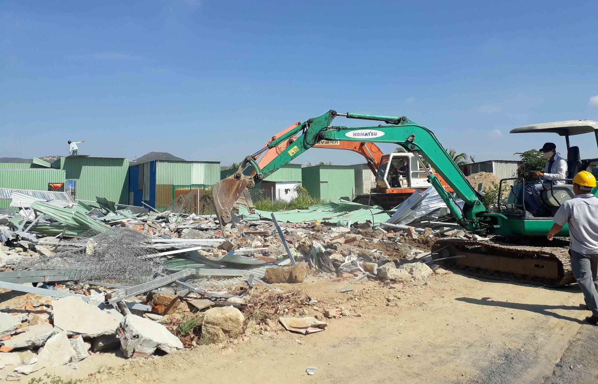 cưỡng chế nhà xây trái phép (7)