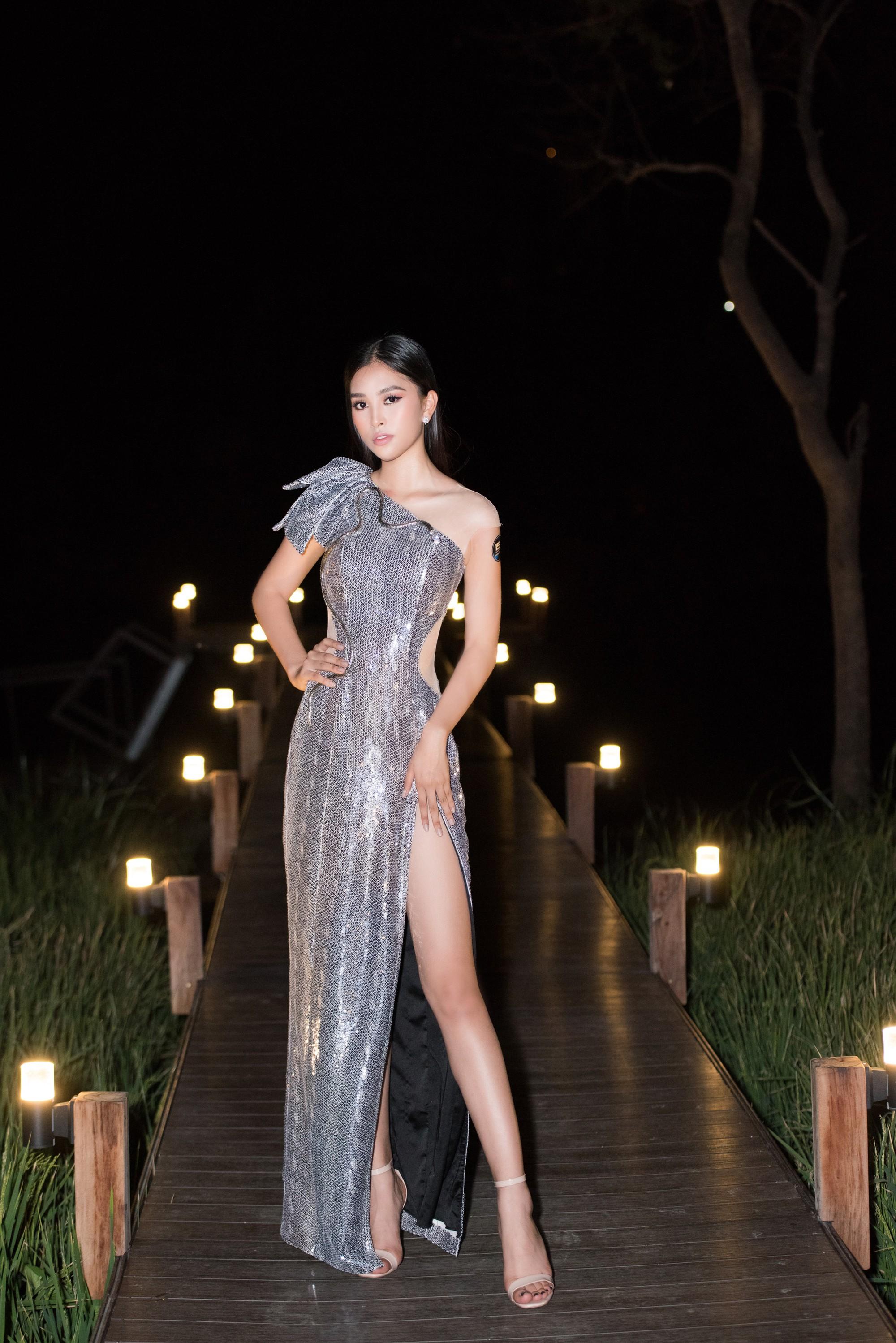 Mĩ nhân Việt nào là Nữ hoàng thảm đỏ tuần qua? (kì 47) - Ảnh 2.