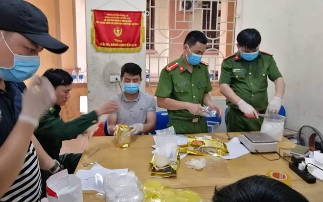 Gần 700 kg ma túy đá khủng vứt ngoài đồng muối: Hé lộ vòi bạch tuộc từ Đài Loan - Ảnh 1.
