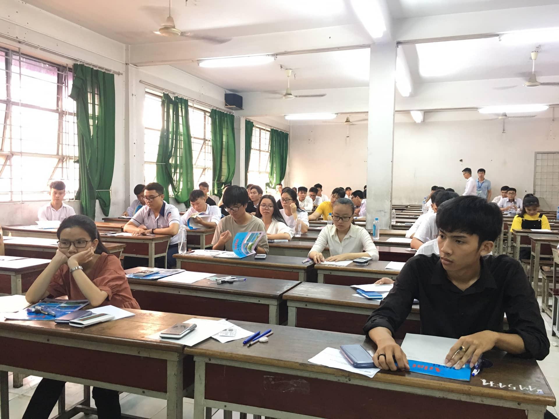 Gian lận điểm thi: Bỏ thi tốt nghiệp THPT sẽ buông lỏng việc học - Ảnh 2.