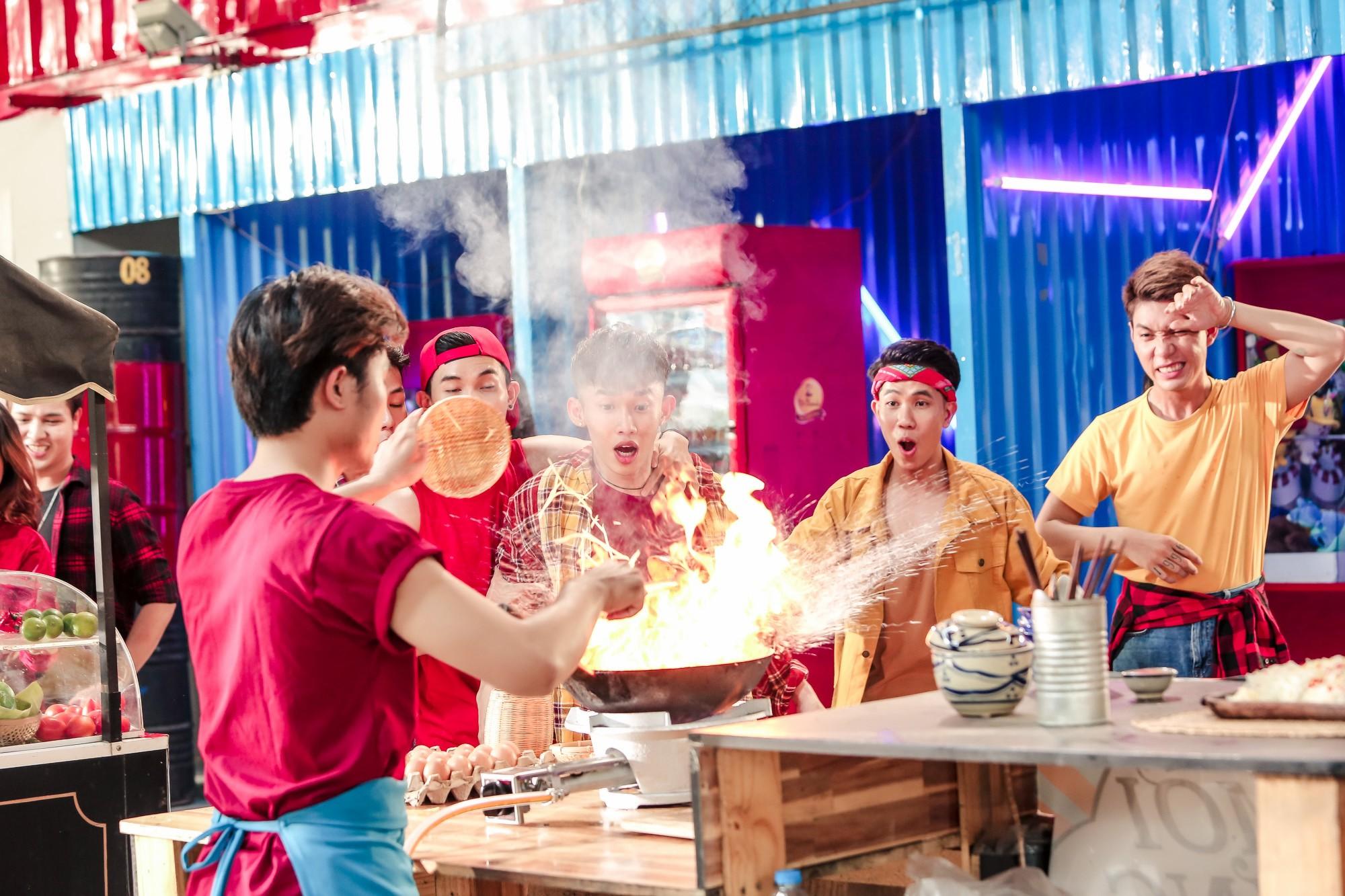 Amee thể hiện vũ đạo nóng bỏng đáp trả màn thả thính cực gắt của Kay Trần trong MV mới - Ảnh 4.