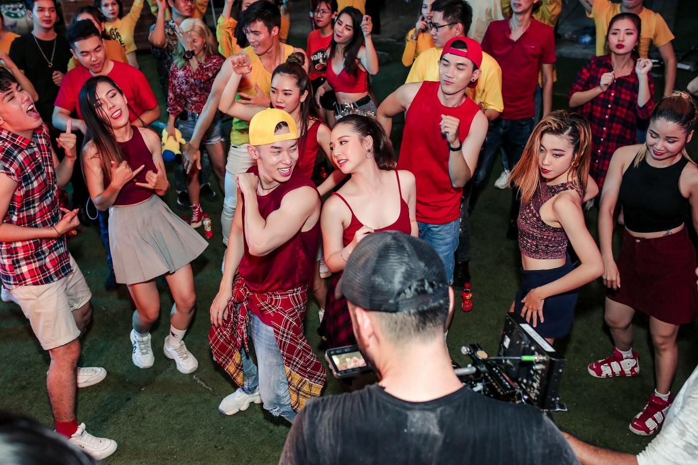 Amee thể hiện vũ đạo nóng bỏng đáp trả màn thả thính cực gắt của Kay Trần trong MV mới - Ảnh 6.