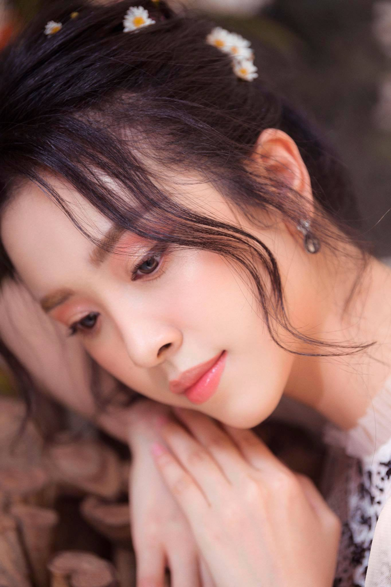Top 3 Hoa hậu Việt Nam 2018 thay đổi ra sao sau 1 năm đăng quang?  - Ảnh 19.