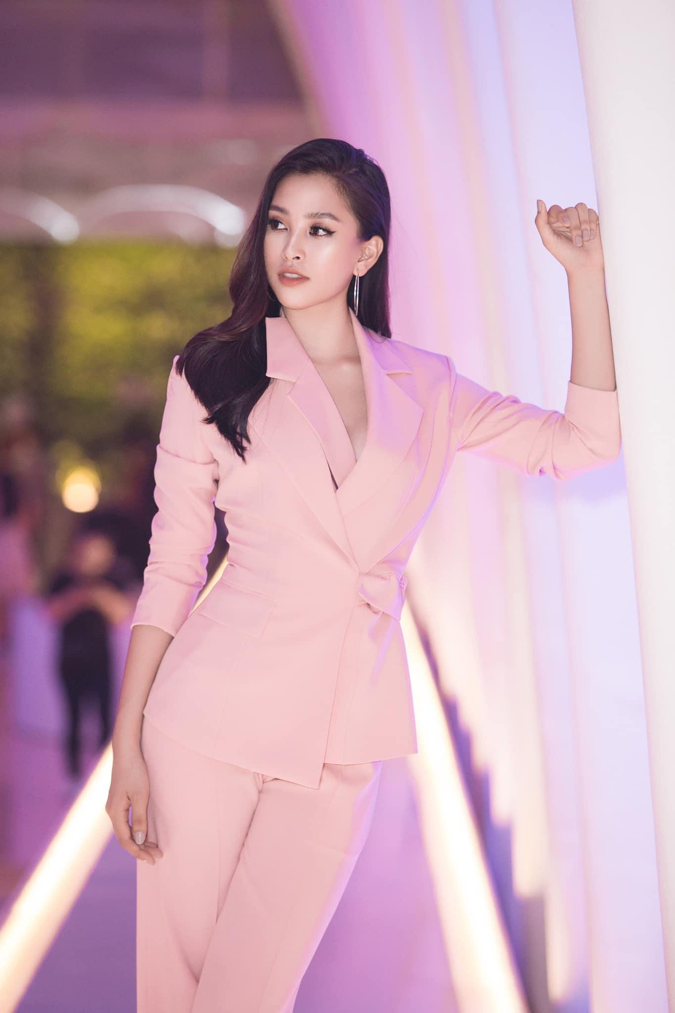 Top 3 Hoa hậu Việt Nam 2018 thay đổi ra sao sau 1 năm đăng quang?  - Ảnh 11.