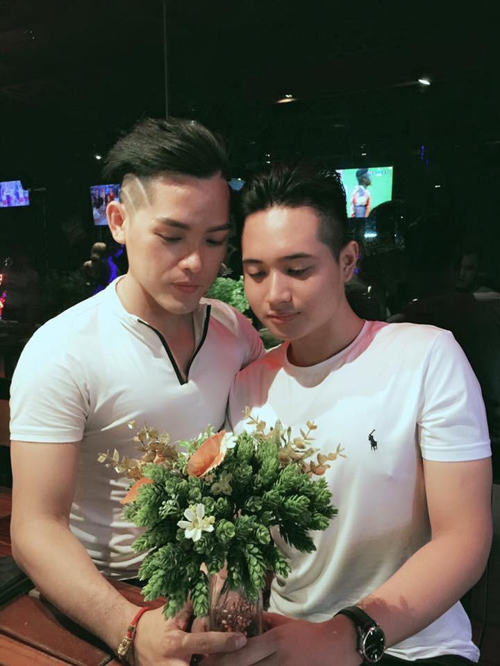 Chuyện tình cặp đồng tính điển trai: Cứ ngỡ làm bạn mà không ngờ yêu nhau từ lúc nào không hay - Ảnh 4.