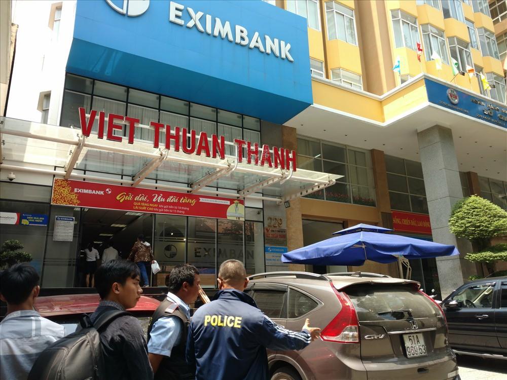 Sợ khuyết Tổng Giám đốc, Eximbank bất ngờ muốn thay đổi điều lệ người đại diện pháp luật - Ảnh 1.